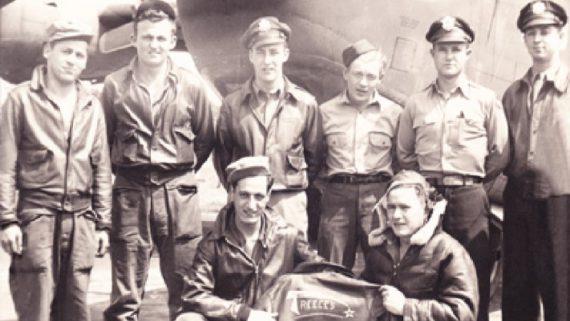 """Besatzung der B-17 """"Reluctant Lassie"""""""